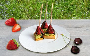 Fruchtiges Dessert mit Uckergoumet